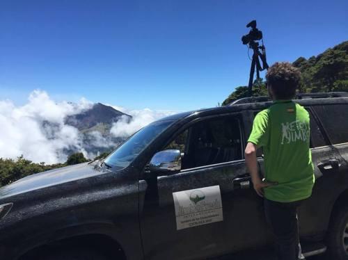 Preparando el Documental de senderodelosconquistadores el Volcán Activo Turrialba se despejó para nosotros y para que lo veáis en un documental  Lo vimos desde el volcán Irazú